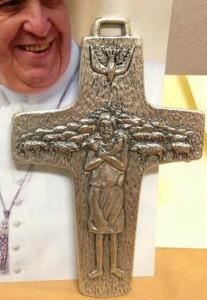 cruz-del-buen-pastor-en-alpaca-italianas-papa-francisco-285-MLA4674678278_072013-F